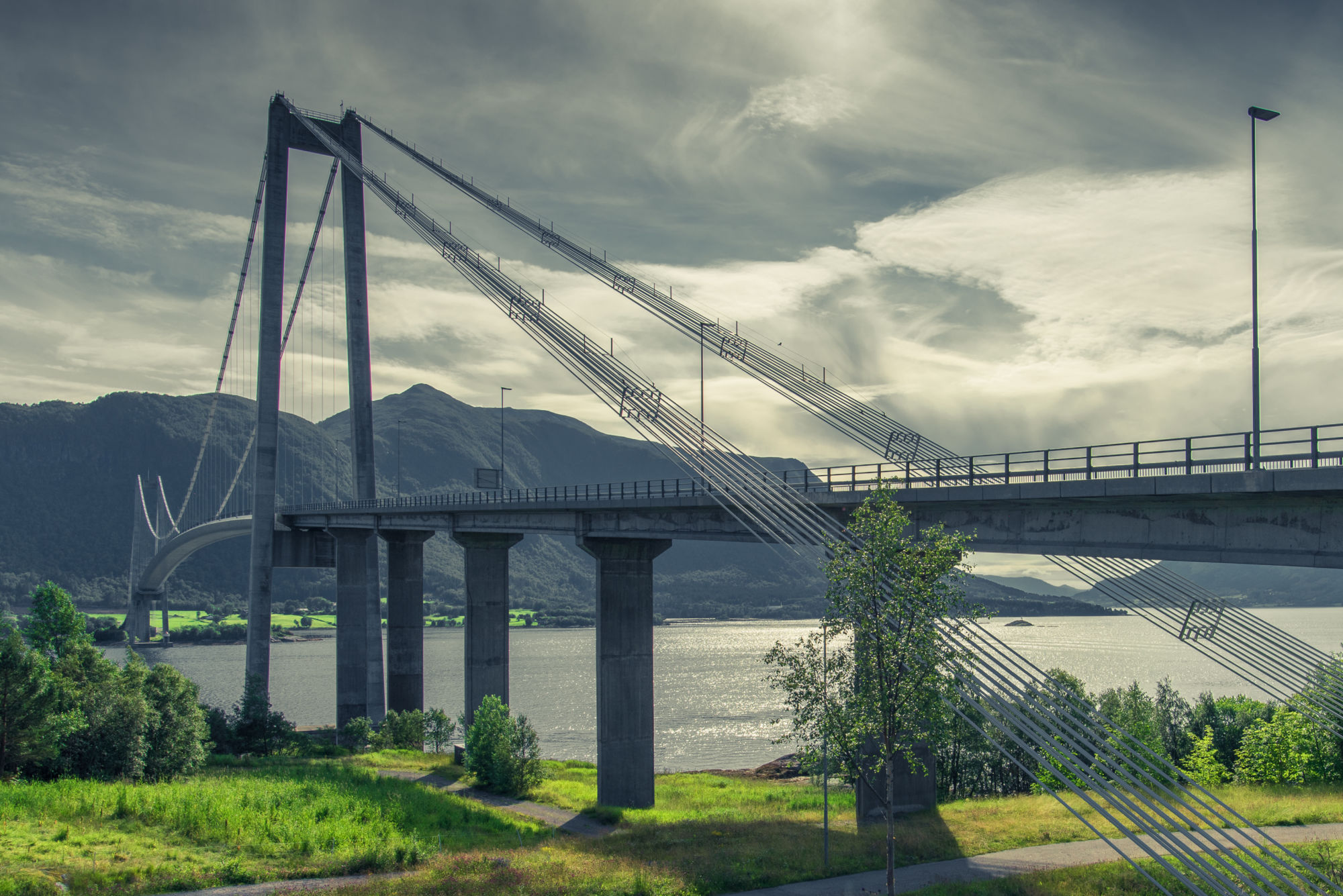 Bridge Bergsoya Hogset, Norway
